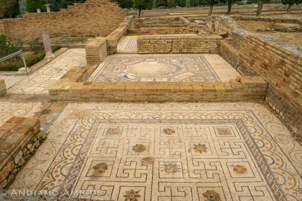 The mosaic floors of the Villas of Italica